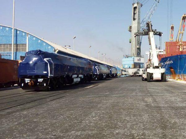 Puerto Antofagasta recibe nuevo arribo de locomotoras para tren FCAB