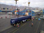 Descargan locomotoras para tren Antofagasta- Bolivia