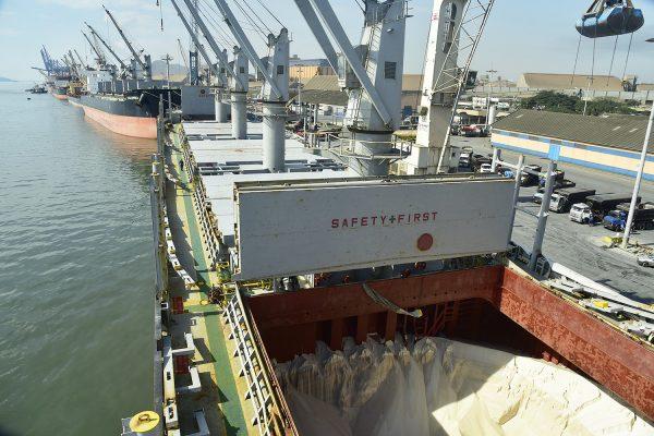 Puerto de Paranaguá consigue movilizar más de 40 mil toneladas de granel sólido en 24 horas