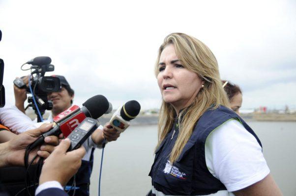 Ecuador: Ministra de Acuacultura y Pesca solicita paralizar dragado del Puerto de Bolívar