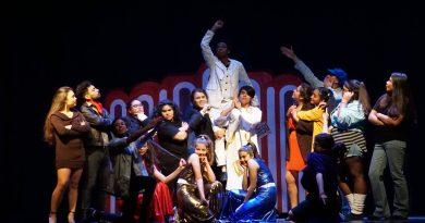 Escuela de Teatro de Puerto Angamos cierra semestre con presentación para la comunidad