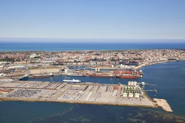 España: Puerto de Santander alcanza cifra histórica en movimiento de cargas