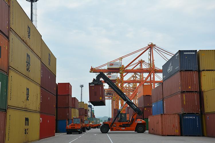 México: Puerto de Manzanillo moviliza 2 millones de TEUs hasta agosto