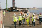 España: Muelle de Puerto de Gran Tarajal estará limpio a fines de agosto
