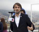 """Jorge Sharp insta a discutir """"con urgencia"""" sobre un nuevo puerto para Valparaíso"""