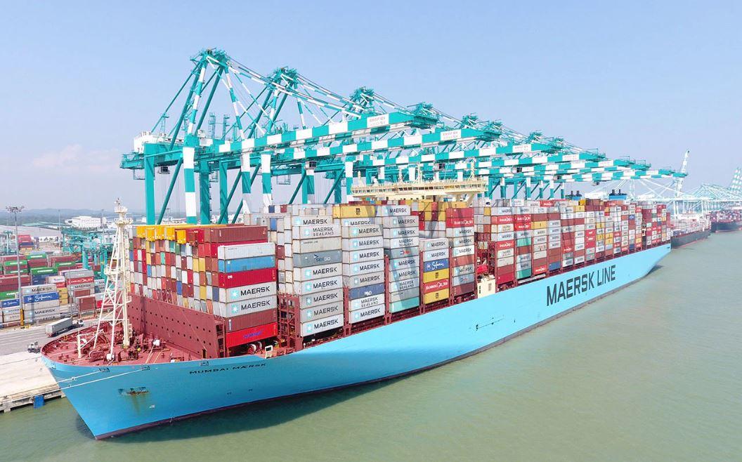 Buque Mumbai Maersk establece nuevo récord de carga transportada con 19.038 TEUs