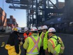 Aislan contenedor con fuga de ácido clorhídrico que arribó al Puerto de San Antonio