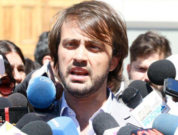 Alcalde Sharp solicita intervención del Presidente Piñera para poner fin al conflicto portuario de Valparaíso
