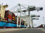 Puerto de Oakland rompe su récord de TEUs transferidos durante la temporada alta