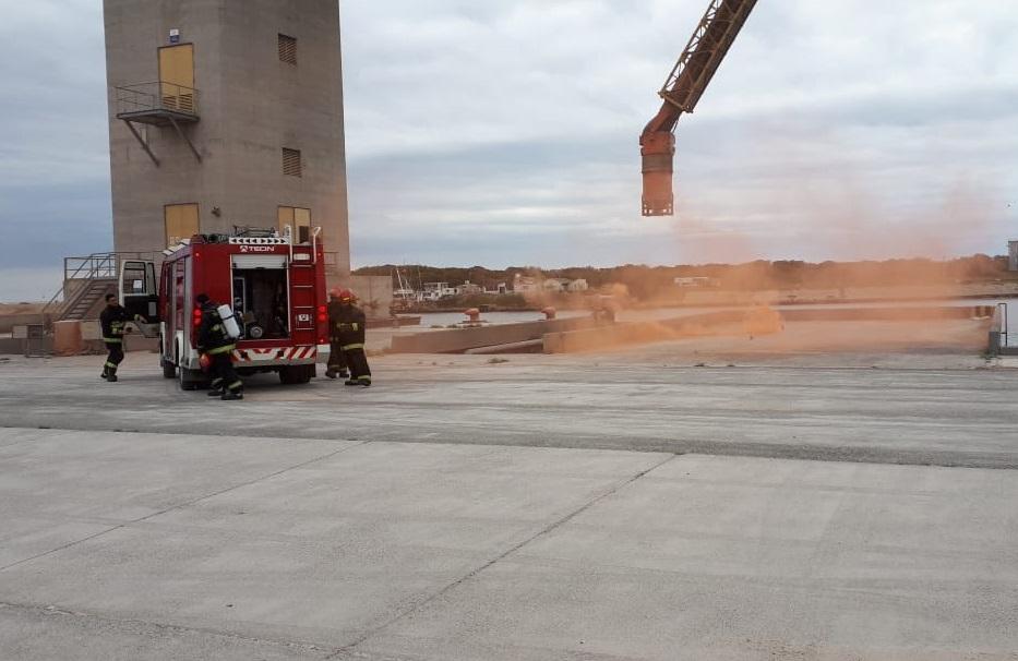 Argentina: Realizan simulacro de incendio en Puerto Quequén