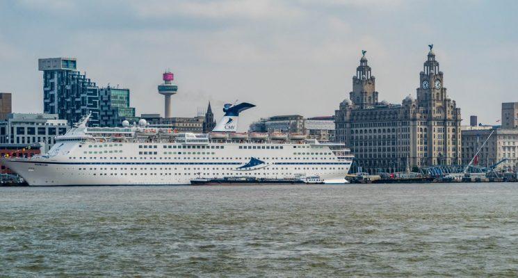 Cruise & Maritime Voyages dejará de ofrecer pajillas plástico a bordo de sus naves