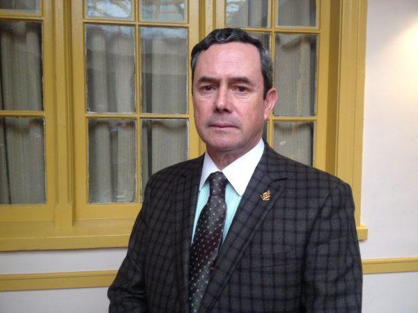 """Almirante (r) Edmundo González afirma que el proyecto de ley que autoriza cabotaje de pasajeros """"va por buen camino"""""""
