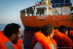 Autoridad Marítima de Panamá quitará registro de barco que rescata refugiados