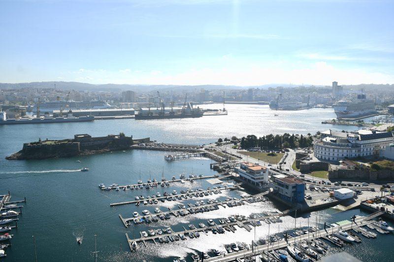 Tres cruceros coinciden con 12 mil pasajeros en el Puerto de A Coruña