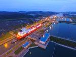 Cuatro buques transportadores de GNL logran transitar por el Canal de Panamá en un solo día
