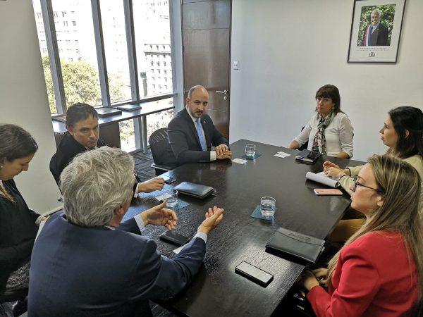 Ministro de Asuntos Marítimos de Panamá enfatiza necesidad de crear nueva ruta de cruceros con Chile