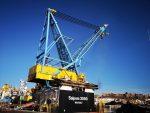 España: Puerto de Almería recibe buque-grúa con capacidad para elevar hasta 2.400 toneladas de carga