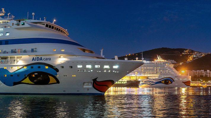 Dos generaciones de cruceros de AIDA Cruises coinciden en Santa Cruz de Tenerife