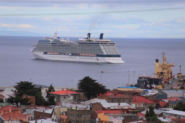 Celebrity Eclipse inicia su paso por Chile con visita a Punta Arenas