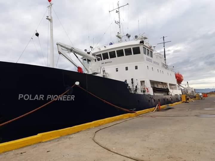 Crucero Polar Pioneer arriba a Puerto Williams