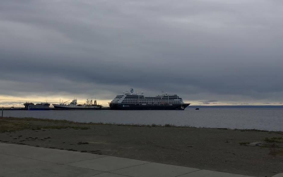 Azamara Pursuit cierra su paso por puertos chilenos con escala en Punta Arenas