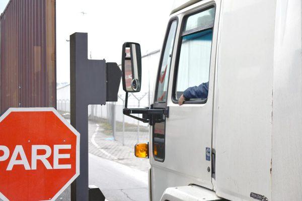 DP World Lirquén implementa sanitización de camiones externos como medida preventiva al Covid-19