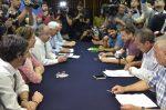 Eventuales de Valparaíso firman acuerdo con el Gobierno para poner fin al paro portuario