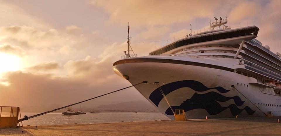 Star Princess navega al Puerto de San Antonio tras escala en Coquimbo