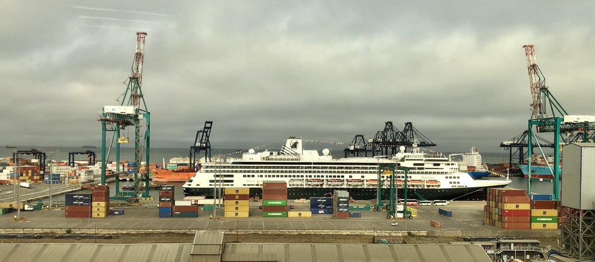 Zaandam registra su tercera y última escala del año en Puerto Central