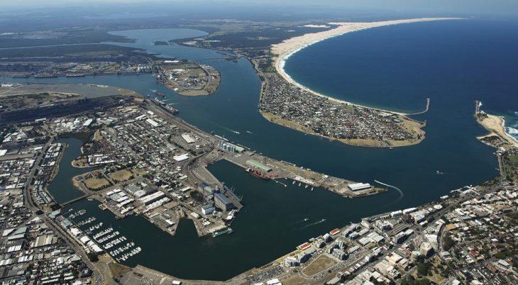 Australia: Puerto de Newcastle recibe apoyo gubernamental para terminal de GNL