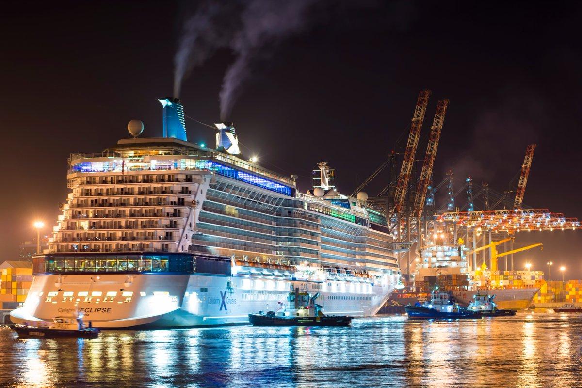 Crucero Celebrity Eclipse visita Puerto San Antonio