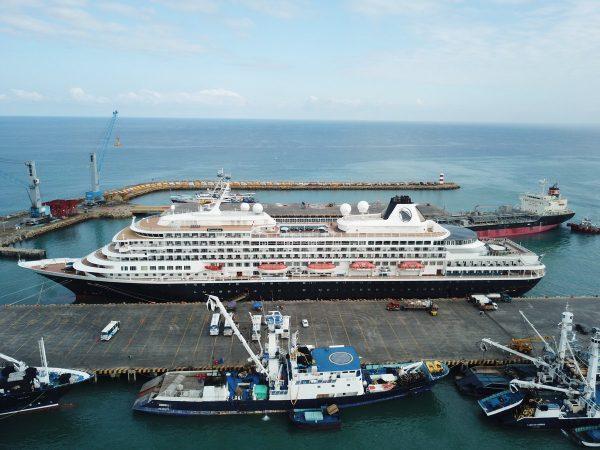 Ecuador: Terminal Portuario Manta atiende a más de mil pasajeros del Prinsendam