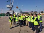 España: Empresarios del sector industrial visitan el Puerto de Sevilla