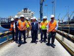 Ministro del Trabajo visita a trabajadores portuarios de Mejillones