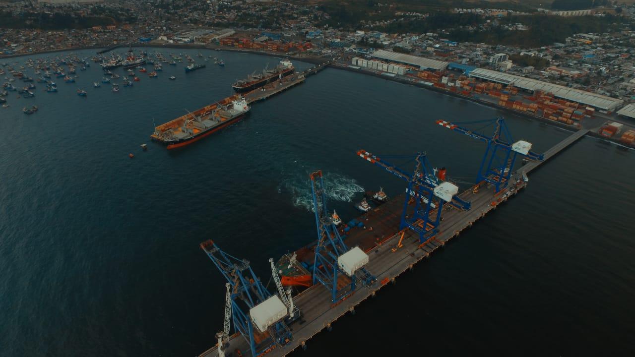 Galería: La descarga de las nuevas grúas STS de Puerto Coronel