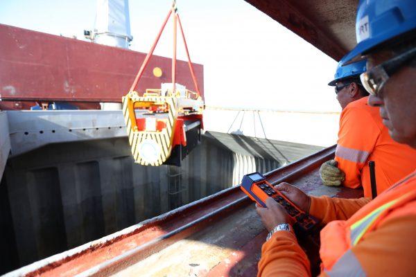 terminal puerto coquimbo contenedores de volteo