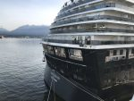 Cruceros de Holland America Line chocan en el Puerto de Vancouver