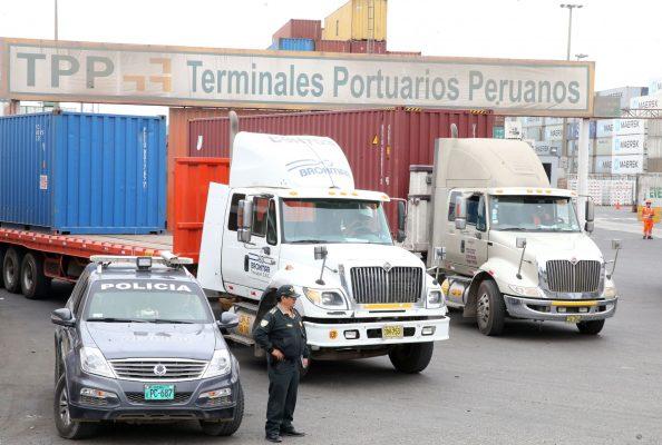 Exportadores peruanos piden parqueaderos de camiones para no afectar logística de carga pesada ante restricciones