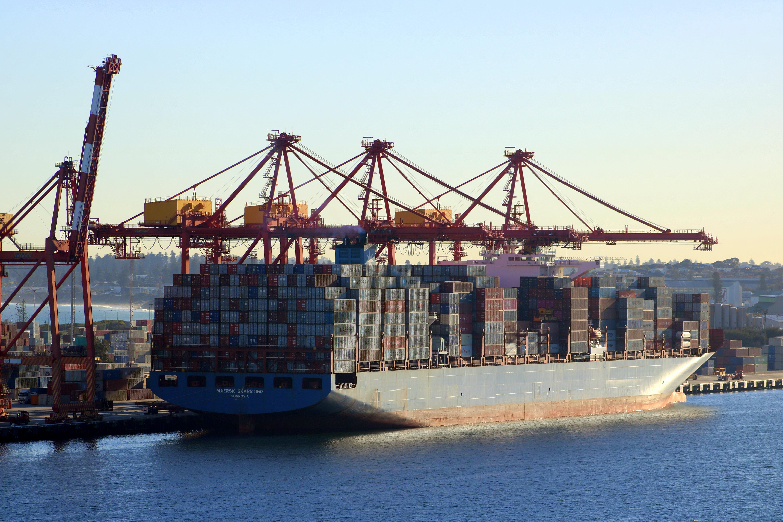 Puerto de Fremantle recibe a los mayores portacontenedores que han visitado Australia
