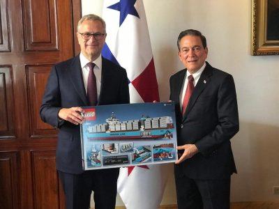 Ejecutivos de la principal naviera del mundo se reúnen con presidente Cortizo