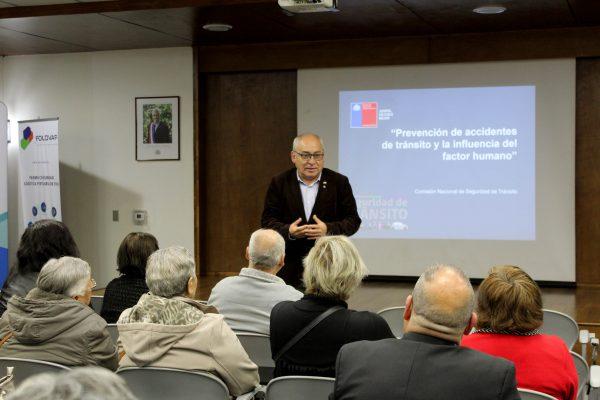 Seremi de Transportes y Puerto Valparaíso realizan charla de seguridad vial a dirigentes sociales