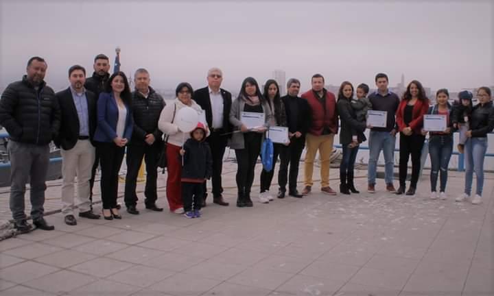 Ultraport Coquimbo entrega becas laborales a esposas e hijas de sus trabajadores