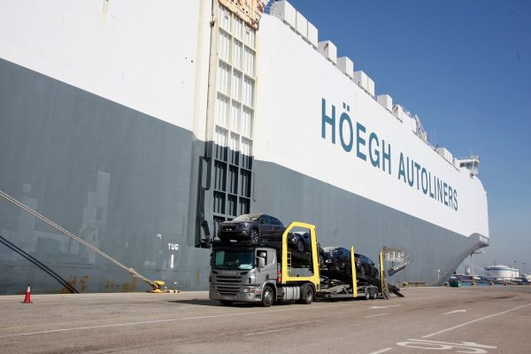 España: Recintos gestionados por Valenciaport movilizan 6,8 millones de toneladas de carga pesada y ro-ro