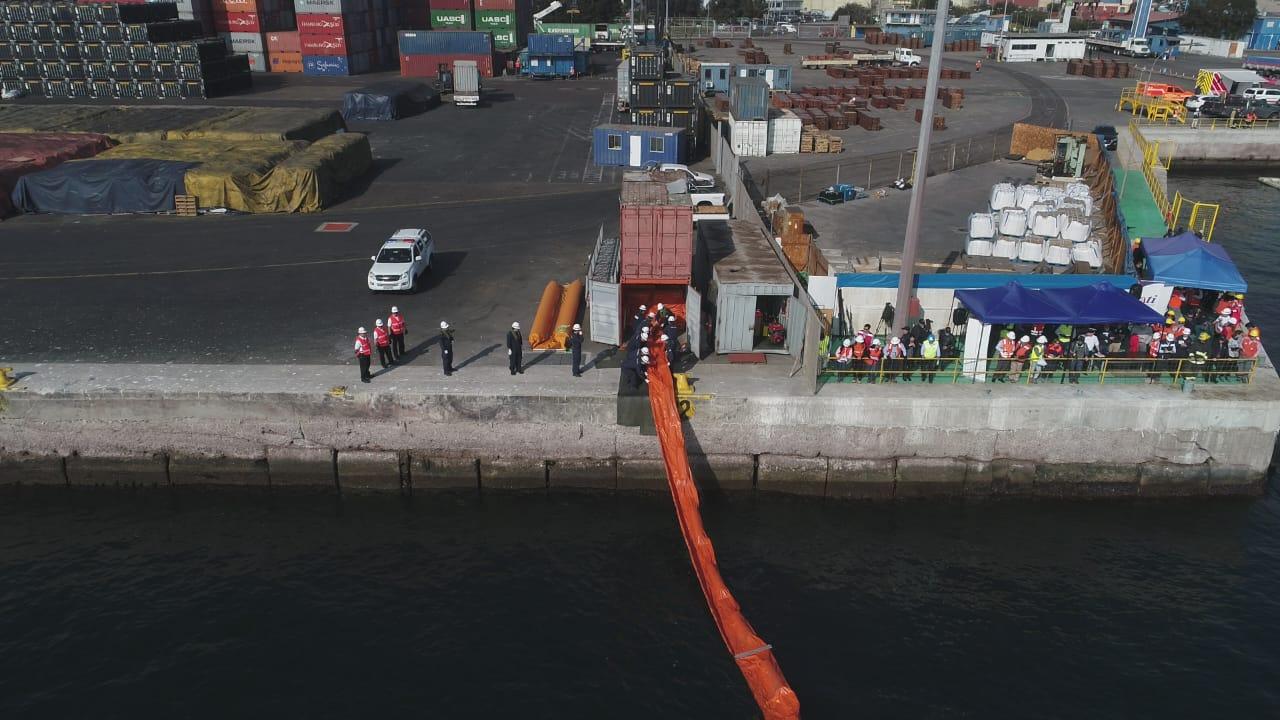 Galeria: Simulacro de derrame de hidrocarburos en Puerto de Antofagasta