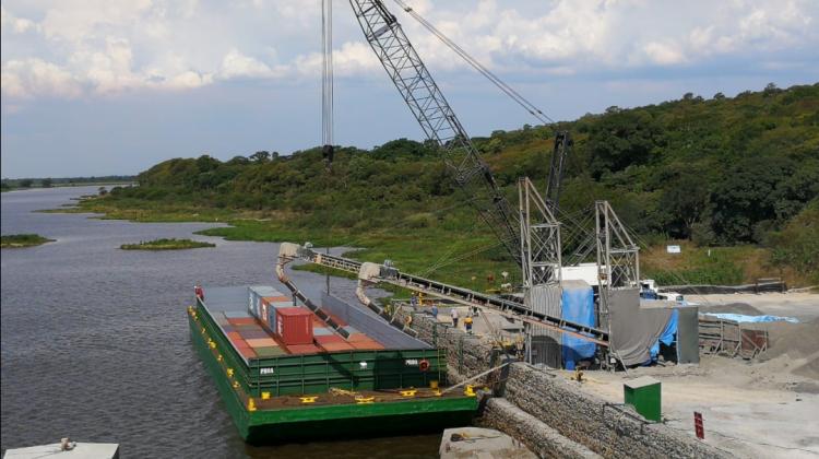 Bolivia: Puerto Jennefer mueve más 250 mil toneladas pese a  cuarentena por Covid-19