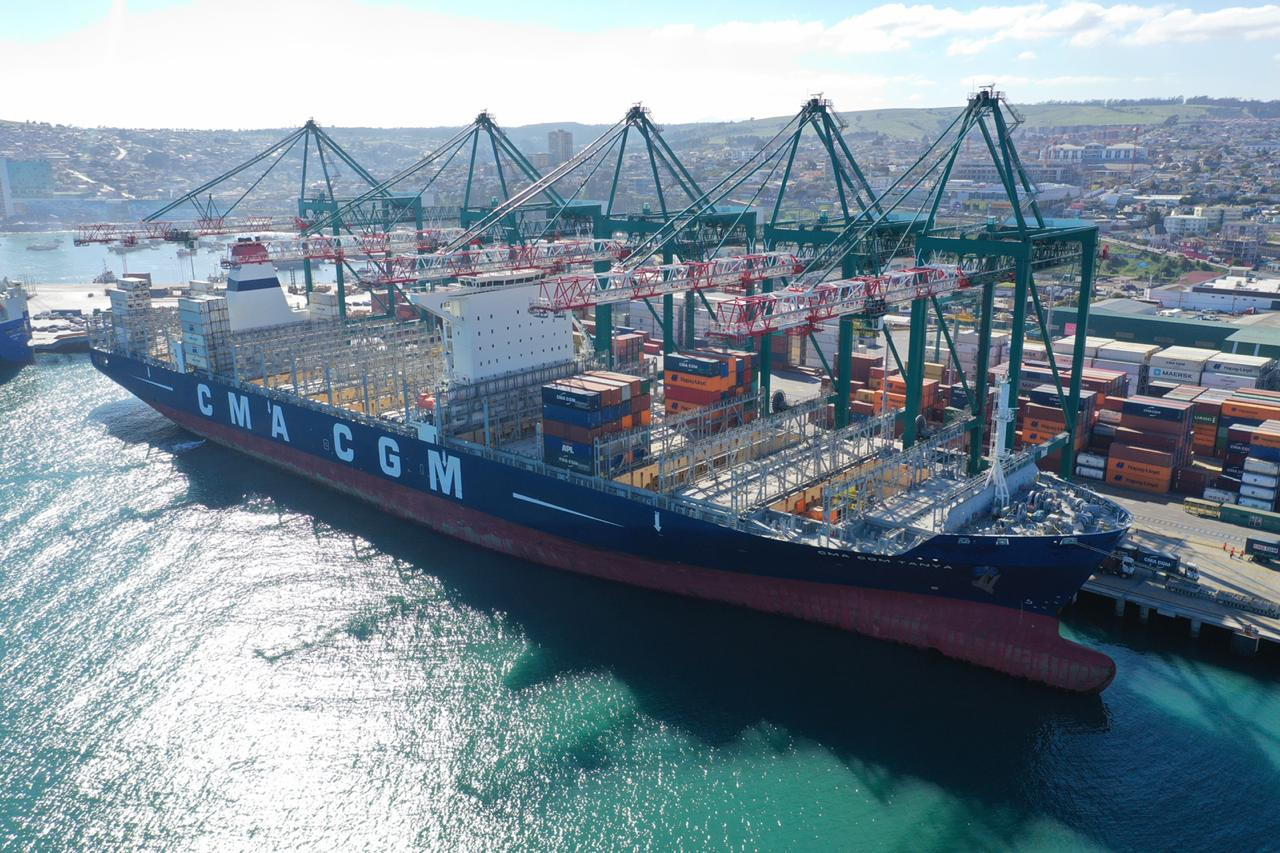 Imágenes: La atención de la primera nave del servicio Eurosal en DP World San Antonio