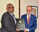 Carnival Corporation construirá puerto de cruceros y nuevo muelle en Bahamas