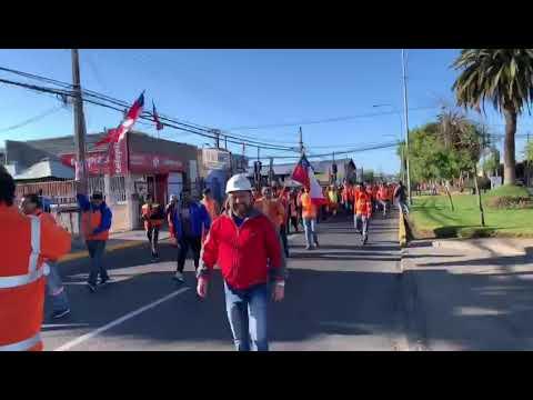 Video: Portuarios de San Antonio realizan marcha con motivo de la crisis política y social en Chile