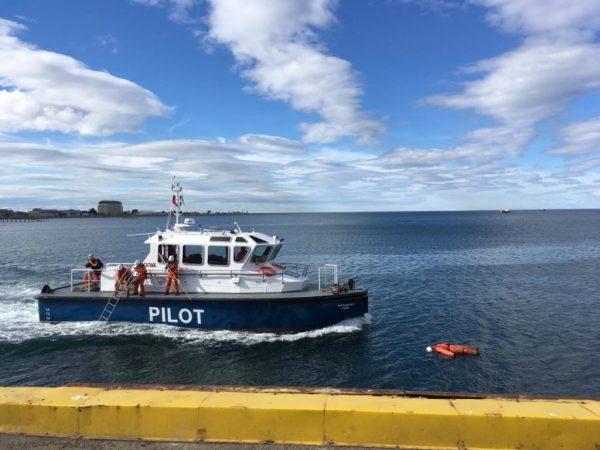 """Realizan simulacro de """"hombre al agua"""" en Muelle Prat de Punta Arenas"""