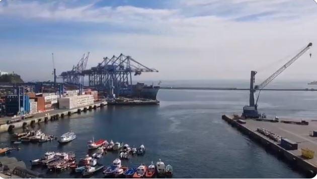 Toque de queda obliga a puertos de Valparaíso y San Antonio cerrar operaciones de forma anticipada por cuarta jornada